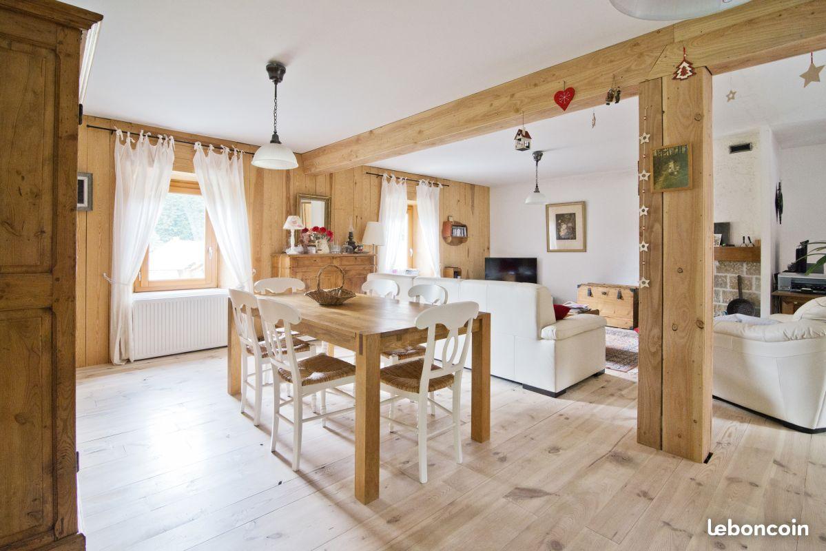 Maison en colocation cheap colocation maison de village for Meubles jardin lausanne